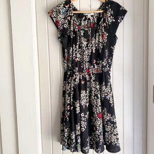 Like new short sleeve summer dress with pockets